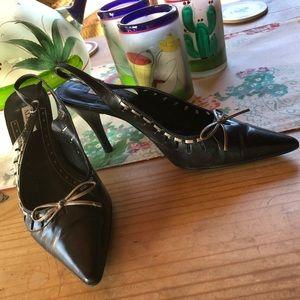 ALFANI Black With Bronze Bow & Detail Heels 👠